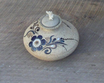 Netzi Mexican Pottery Oil Lamp