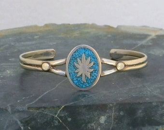 Mexico Alpaca Silver Pot Leaf Vintage Cuff Bracelet Crushed Turquoise Inlay JJ19