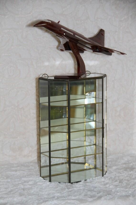 grande vitrine vintage. Black Bedroom Furniture Sets. Home Design Ideas