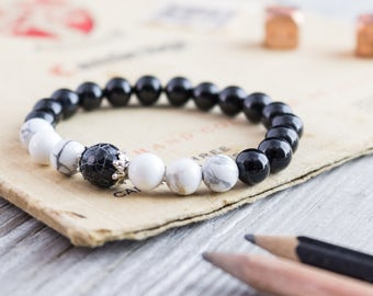 8mm - Black onyx and white howlite beaded stretchy bracelet with a crackle black agate, mens bracelet, gemstone womens bracelet,