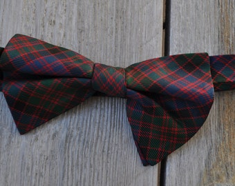 Vintage tartan bow tie