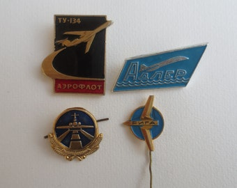 Soviet badge related to air fleet, avio, aviation, badges with aircrafts, pin with aircraft, airplane, wings, airport, badges, soviet badge