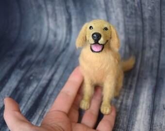 Custom Felted Golden Retriever , Felting Golden Retriever, Needlefelted Animal, (Made to order )