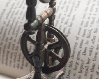 Vintage Novelty Collectible Spinning Wheel Weaving Metal Pencil Sharpener Made in Spain