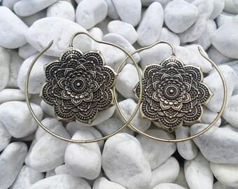 Brass earring pair Mandala lotus flower Indian tribal India Gold ear plug Jewelry spiral Ear weights