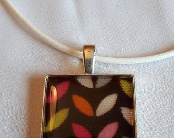 Resin necklace square small leaves