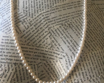 Vintage Pearl Necklace Single Strand