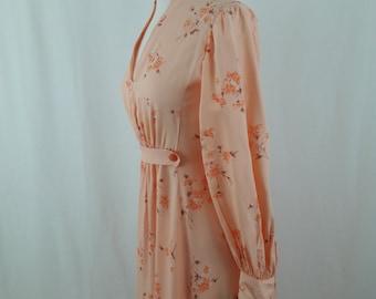 1970's Peach Floral Lounge Dress