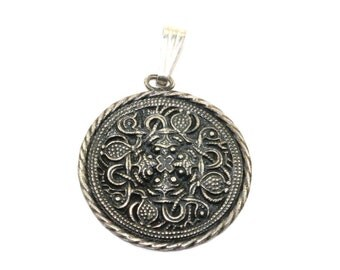 Vintage Medieval Symbol of Desire Round Pendant 925 Sterling Silver PD 20 - E