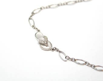 NA HOKU 14K White Gold Hawaiian Slipper Anklet with Diamonds