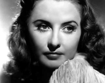 """Barbara Stanwyck Monochrome Photographic Print 05 (A4 Size - 210mm x 297mm - 8.25"""" x 11.75"""") Ideal For Framing"""