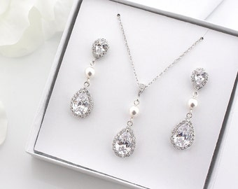 Swarovski Pearl Wedding Earrings, Bridal Earrings + Necklace SET, Crystal Teardrop Earrings, Bridesmaids Gift, Bridesmaid Gift Set S3024