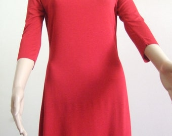 P' little red dress short, slightly curved and flared