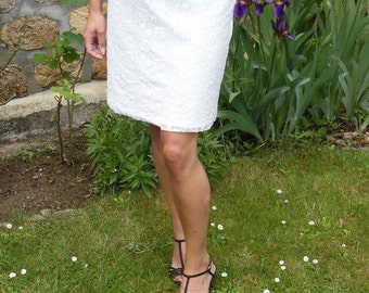 Pretty short skirt to be elegant and unique for weddings or daily