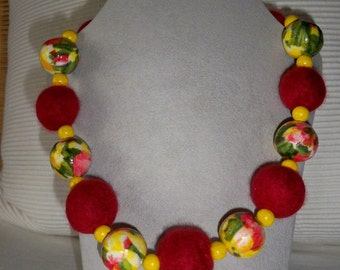 Felt bracelet dream in red and yellow