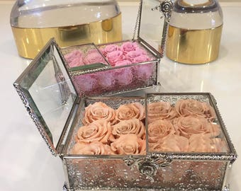 12 Mini Eternity Roses in a Glass Vintage Box