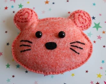 Little pink mouse head