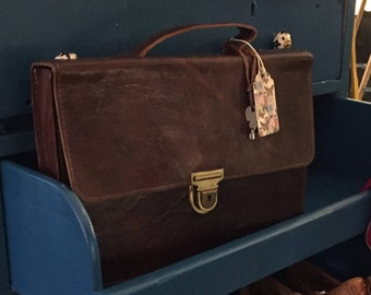 Small vintage leather bag