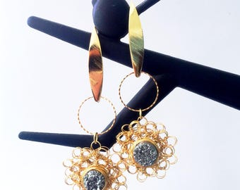 Druzy in love. Gold-filled. Woven earrings of gold laminated with drusen.