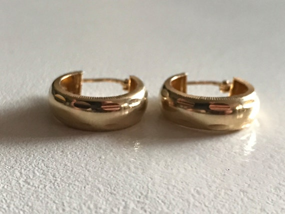 14 KT Gold Hoop Earrings - Wife Gift