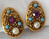 Vintage Jewel in Gold Metal Florenza Costume Jewelry Clip Back Earrings