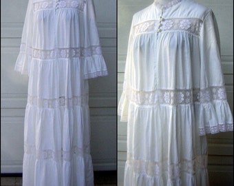 XL Vintage White Lace Maxi Dress David Brown Brownstone Studio Ruffled Tiers - Bell Sleeves Beach Wedding Boho Festival Dress
