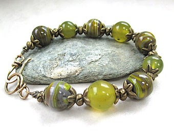 Olive Green Gemstone Bracelet, Antique Brass, Peridot Color Large Stones Striated Agate, Serpentine New Jade, Stackable Chunky Bracelet B267