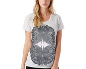 Womens Tshirts | T shirt for women, Insect Tshirt, Butterfly t shirt, Graphic tee, Loose fit T-Shirt, Scoop Neck