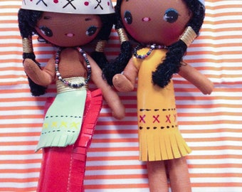 Vintage Japan Big Eye Indian Girl N Boy Bunka Pose Dolls Key Chain Large