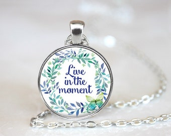 Live in the Moment Changeable Magnetic Pendant Necklace with Organza Bag