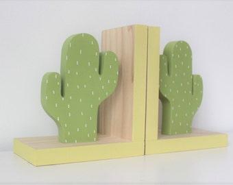 Cactus Bookends, Cactus Nursery, Cactus Kids Decor, Greenery, Succulent, Succulence, Green Cactus Decor, Cactus Wood Bookend,