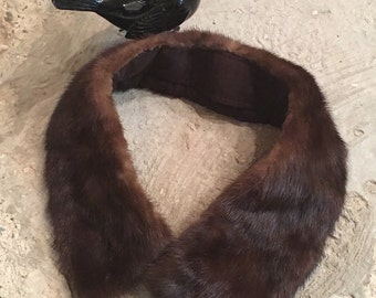 Vintage Fur Collar - Dark Brown  - Upcycle Recycle Fur Collar - 1950s 1960s Mink Collar - Winter Accessory - Elegant Glamorous Classic Rich