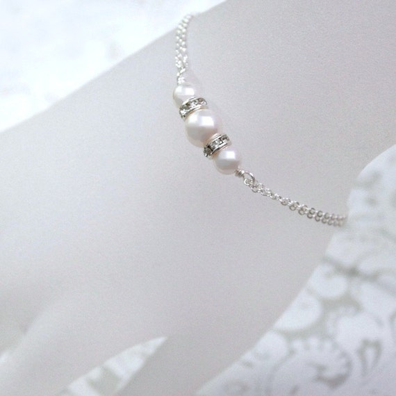 White Pearl Bridesmaid Bracelet, Swarovski White Pearl Bridesmaid Bracelet, Bridesmaid Jewelry, Maid of Honor Gift, White Pearl Bracelet