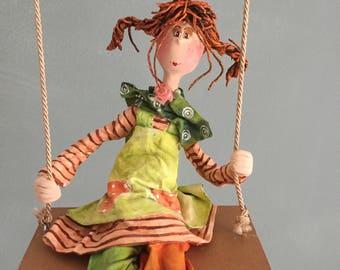 ooak art doll,poupée d'art,Pippi longstockings ,Fifi brindacier poupée,swing,figurine,child character,art doll,pippi,orange hair,