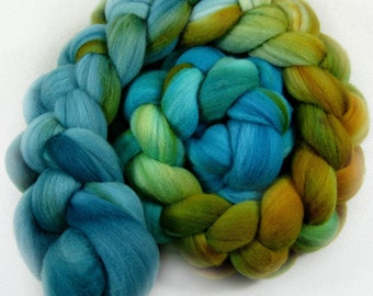 Sale! 10% off! Azteka Turquoise 1 merino wool top for spinning and dyeing (4.2 ounces)