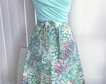Pretty Vintage Canvas Wrap Around Skirt -- Floral Print -- Size Small