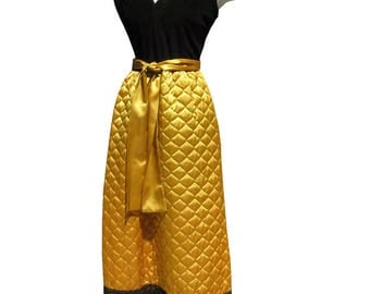 Vintage 1960s Quilted Gold and Black Maxi Hostess Dress 34 bust 26 waist Loungewear Lounger Patio Dress