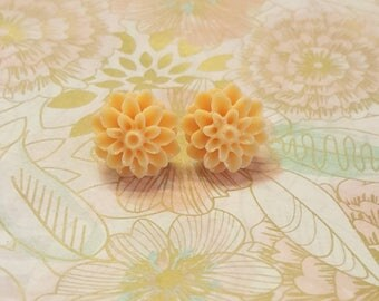 Peachy Flower Mum Plugs Gauges Stretched Ears 10g 2.5mm, 8g 3.2mm, 6g 4mm  p21