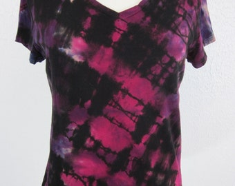 Tie Dye T-shirt Womens Size Large  Fuschia Purple Black V neck