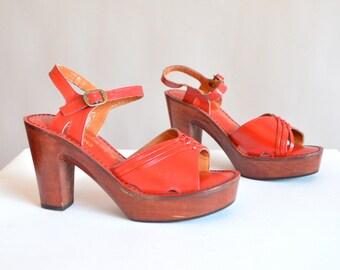 Vintage 1970s leather platforms / size 6