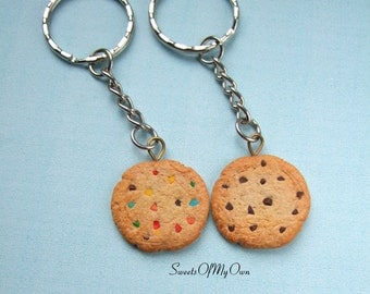 Cookie Keyring - Biscuit Keychain - Chocolate Chip Cookie - Rainbow Cookie - Choose Your Style - Made in the UK