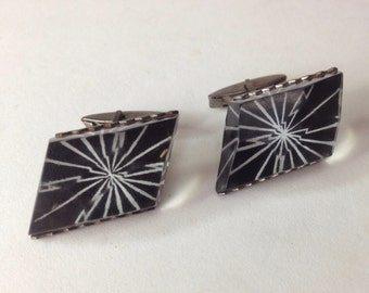 Black and White Faceted Resin Cufflinks – Retro 1970s Atomic Man Jewelry