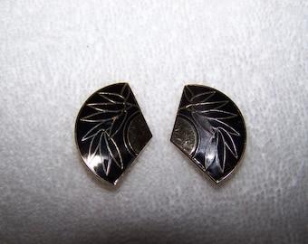 Black Gold Cloisonne Bamboo Fan Shaped Clip Earrings