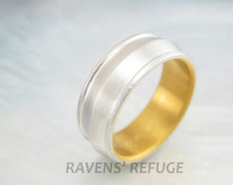 knife edge platinum wedding band with 24k gold liner and hammered edges -- handmade men's 8mm band