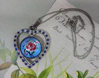 Silver Painted Flower Butterfly Wing Heart Pendant   NEF9
