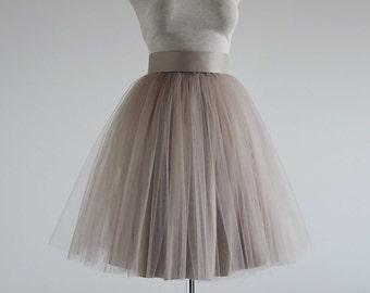 Tulle skirt .Mocha tulle skirt. Tea length tulle skirt. Woman tulle skirt. Classic tulle skirt. Tulle skirt.