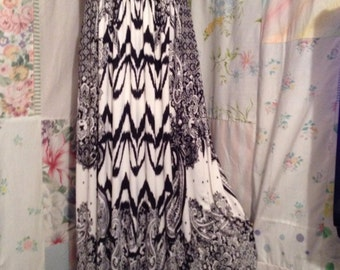 MEDIUMED/LARGE, Dress, Maxi Hippie Flowerchild Black White Bohemian Hippie Boho Long Sleeveless Dress with Neck Strap