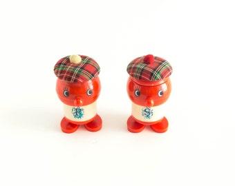 Vintage Salt and Pepper Shakers Plastic Scottish Man Figurine Scotland Souvenir Tartan Plaid Hong Kong Kitsch