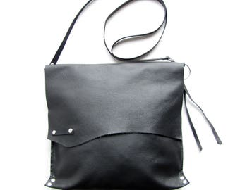 Black leather cross body bag // leather bag