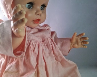 """14"""" EEGEE Vinyl Baby Doll//Pink Dress and Matching Bonnet//Molded Hair//Moveable Arms/Legs//Open Mouth Drink N Wet//Sleepy Glassine Eyes"""